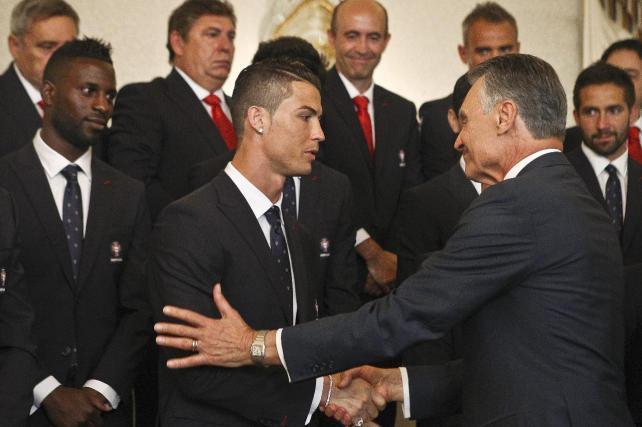 Presidente portugués recibe a la selección de su país para el Mundial