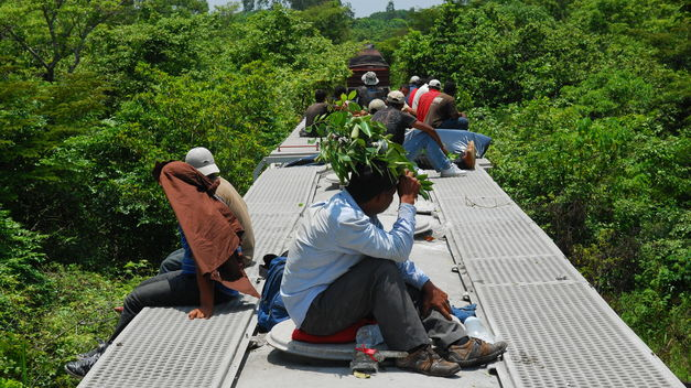 Presidente Univision pide a Obama actuar ante crisis de menores inmigrantes