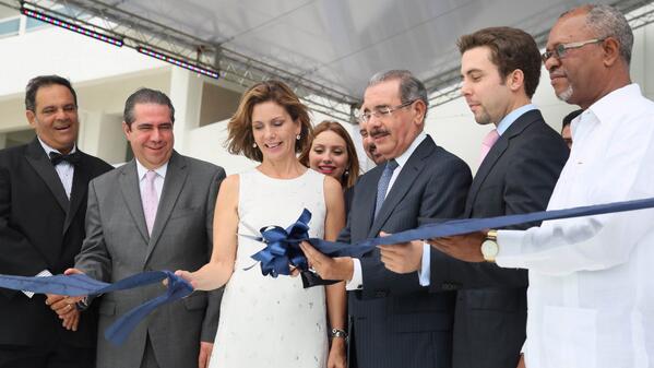 Medina preside inauguración residencial turístico Grupo Metro en Juan Dolio