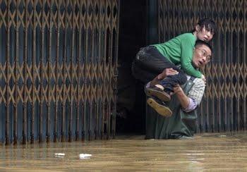Al menos 27 muertos y 2 desaparecidos por fuertes tormentas al sur de China