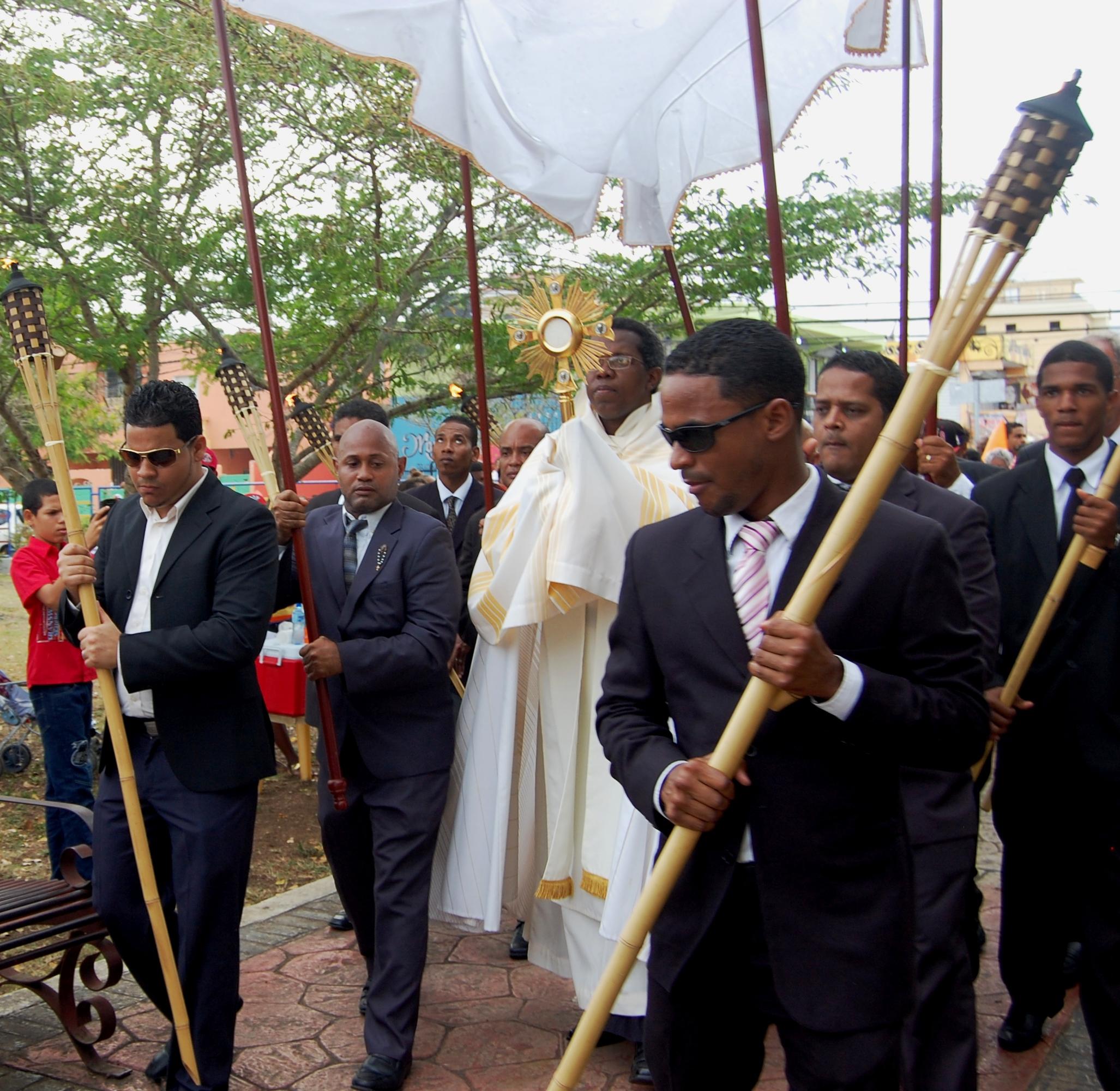 Feligreses de la Zona Oriental Sur celebraron Corpus Christi