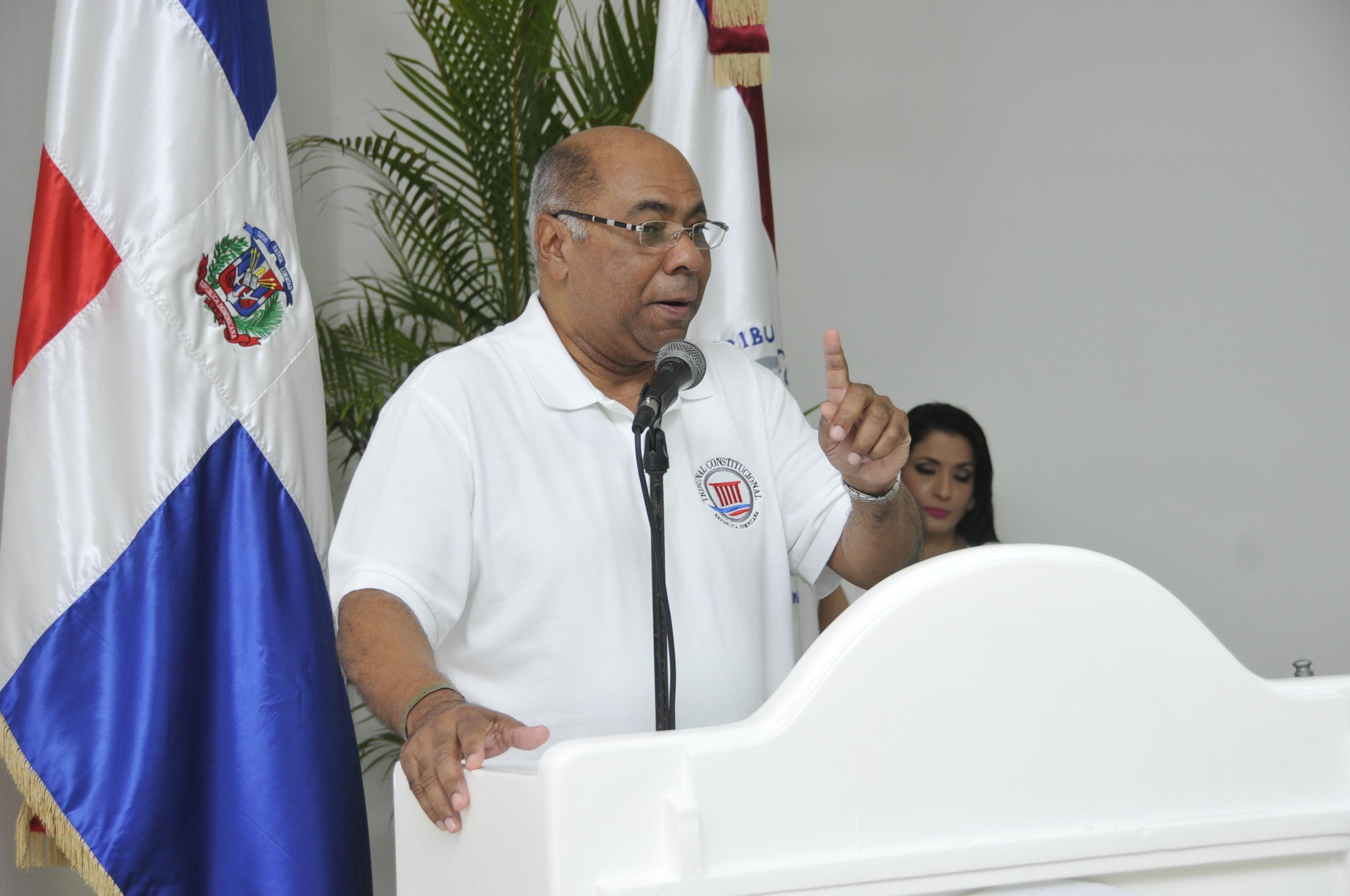 Presidente TC afirma con la bendición de Dios Tribunal saldrá adelante