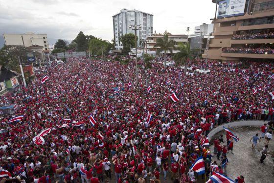 Costa Rica vive una fiesta con el histórico pase a cuartos de final