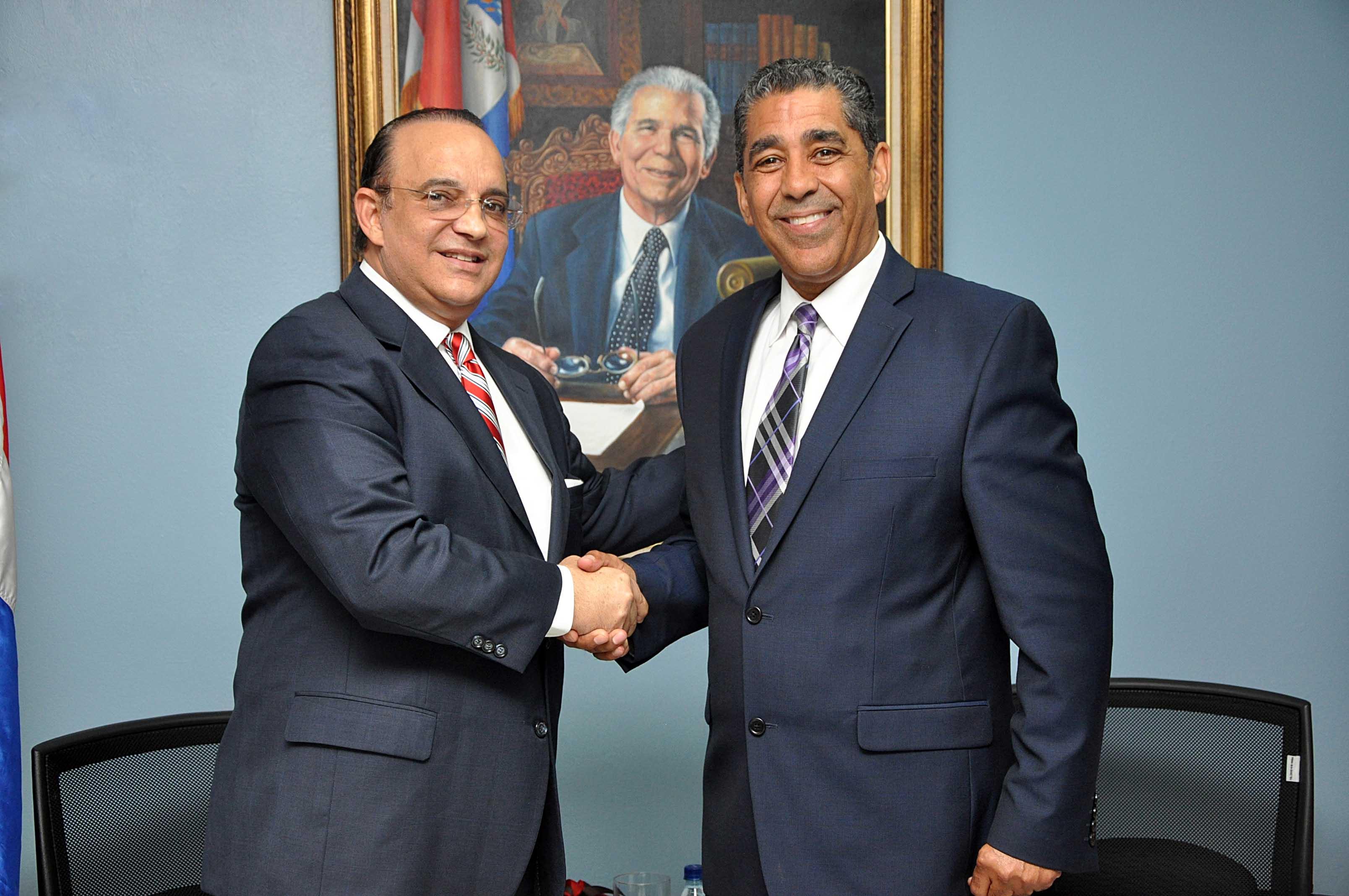 PRSC apoya candidatura de Adriano Espaillat para senador de Nueva York