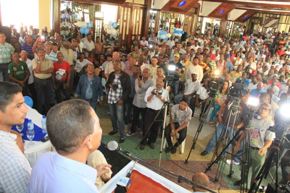 Guido Gómez Mazara encabeza concentración en San Cristóbal