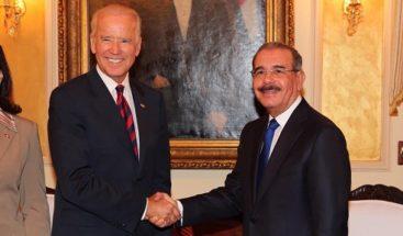Biden y Medina hablan de Ley de Naturalización, DR-Cafta y 911