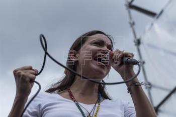 Ala opositora va por renuncia de Maduro y adelanto de elecciones