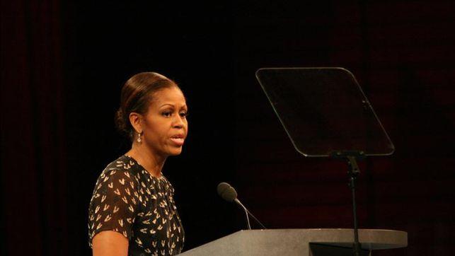 Michelle Obama aboga por reforma migratoria en EE.UU. en jura de ciudadanía