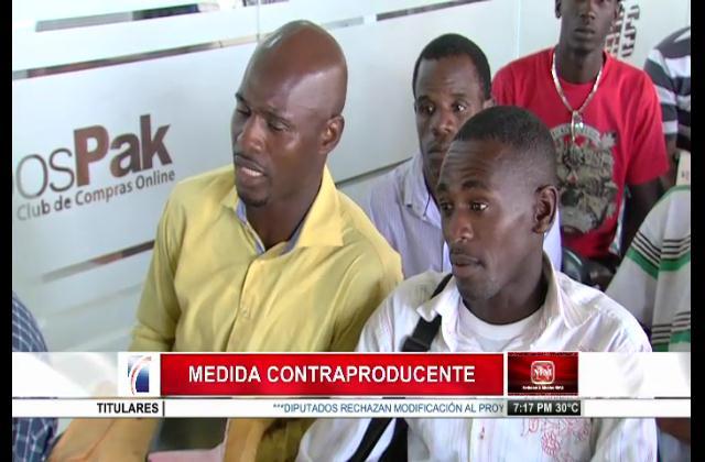Haitianos sin acta de nacimiento tendrán que pagar para obtener el documento en su país
