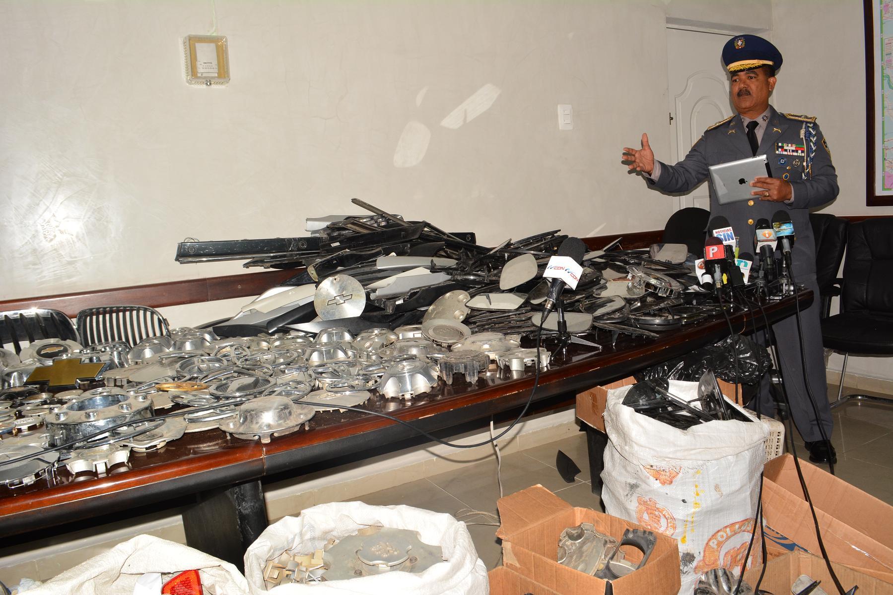 Policía ocupó más de 1,500 piezas de diferentes vehículos