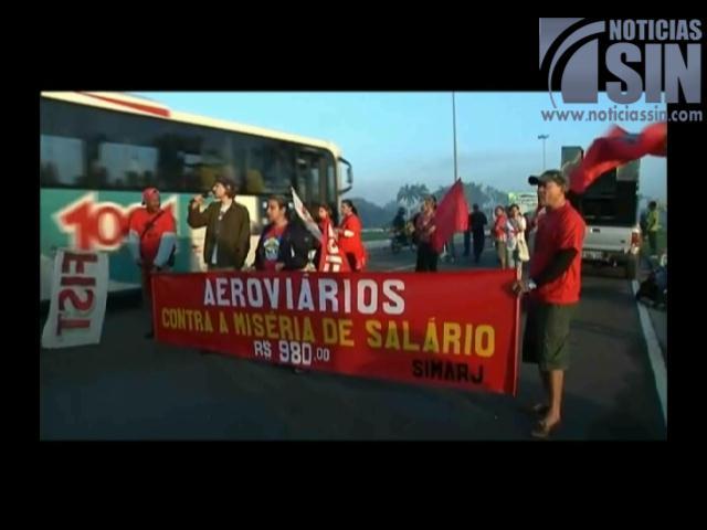 Miles de personas marchan contra el Mundial en Río de Janeiro