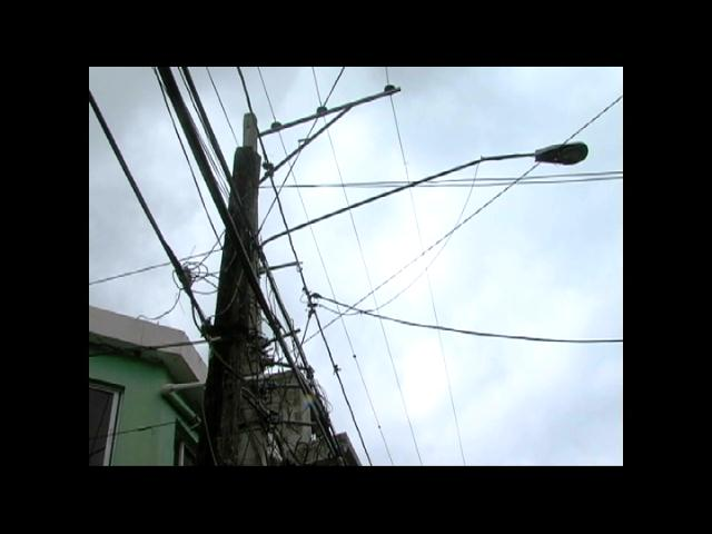 Residentes en Cambita Garabitos se quejan por extensos apagones