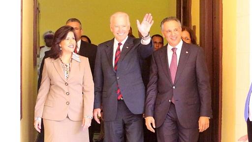 Vicepresidente EE.UU. llega al Palacio Nacional