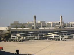 Empleados de aeropuertos de Río harán huelga mañana día de inicio del Mundial