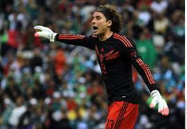 Ochoa, primer portero elegido mejor jugador del partido