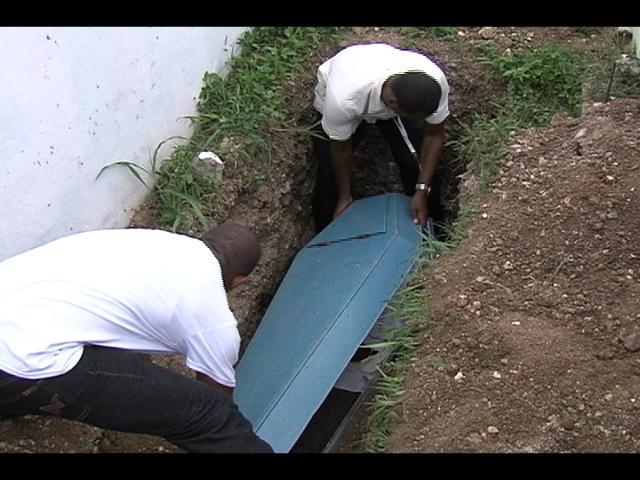 Hombre muere dentro de un destacamento en Los Alcarrizos