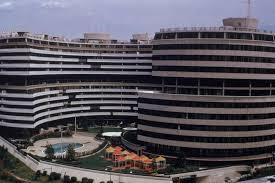 Demolerán estacionamiento donde se reveló parte del escándalo Watergate