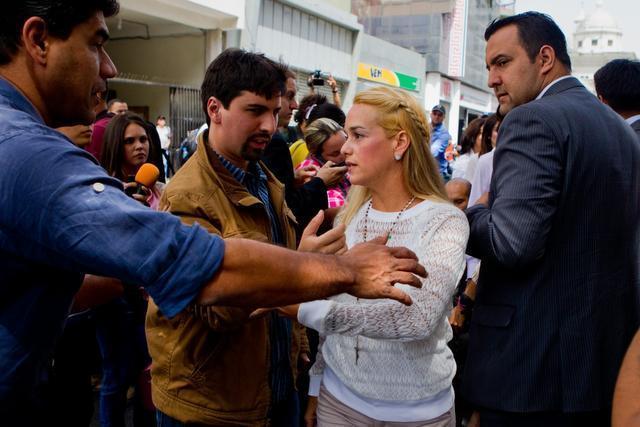 López comparece en la audiencia preliminar de su caso un tribunal de Caracas
