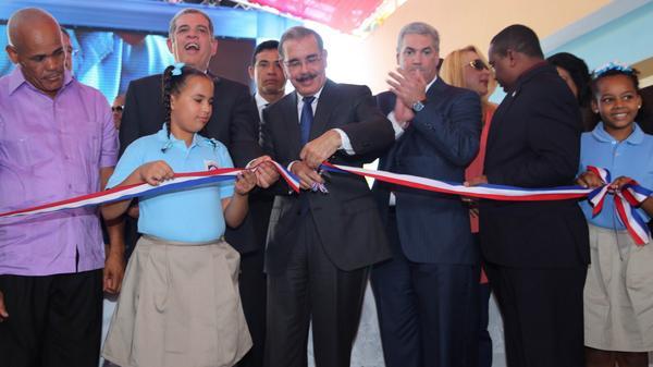 Danilo Medina entrega 129 aulas en capital y Santo Domingo Norte