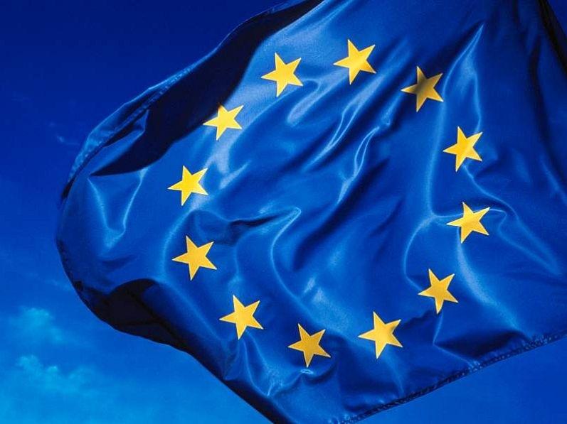 La UE extiende a junio de 2015 la suspensión de sus sanciones a Irán