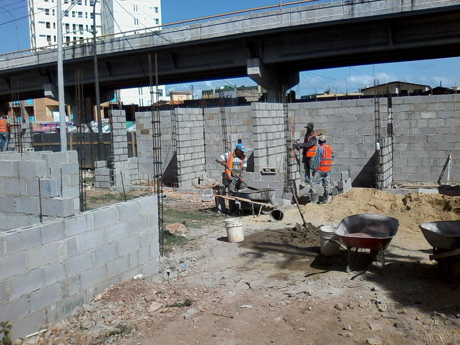 Agilizan construcción Plaza Buhoneros