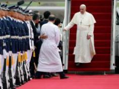 El papa regresó a Roma tras su viaje a Corea del Sur