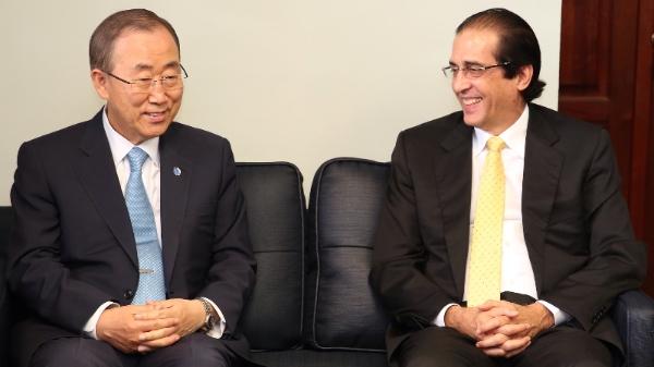 Ban Ki-moon felicita al ministro de la Presidencia por políticas sociales