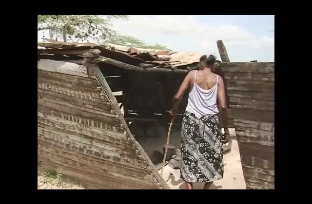 Anciana vive en precarias condiciones en San Juan