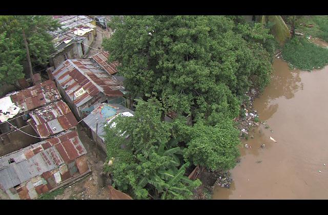 Al menos 15 viviendas inundadas en La Barquita por lluvias