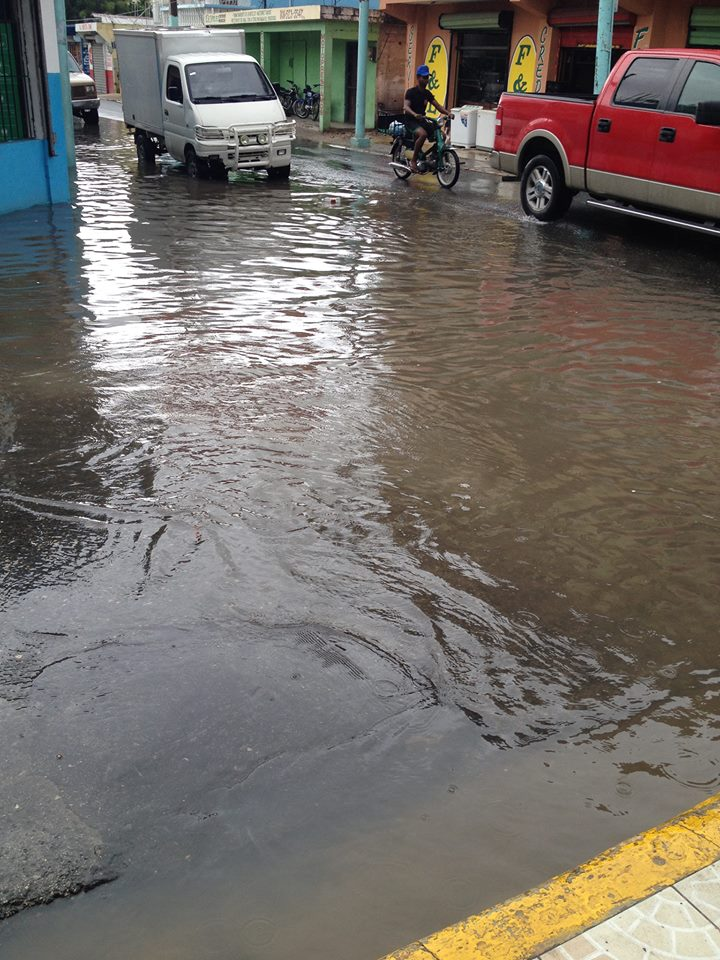 Más de 20 comunidades incomunicadas tras inundaciones