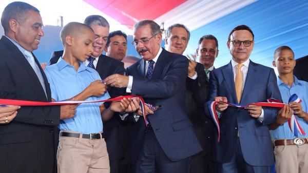 Medina inaugura en Hato Mayor cuatro escuelas más para tanda extendida
