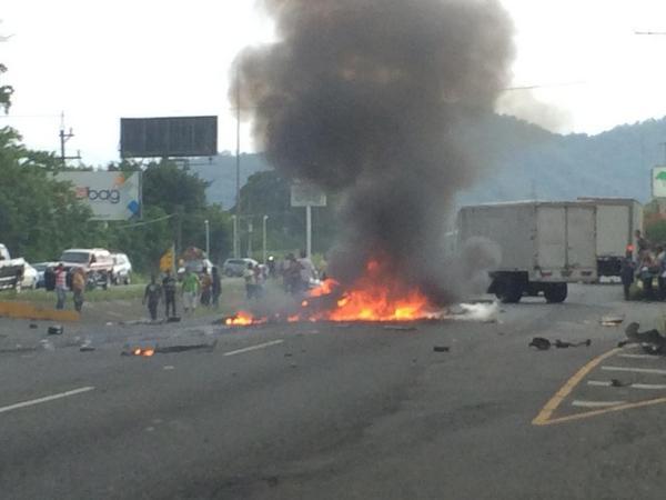Un muerto y dos heridos en accidente próximo a Plaza Jacaranda en Bonao