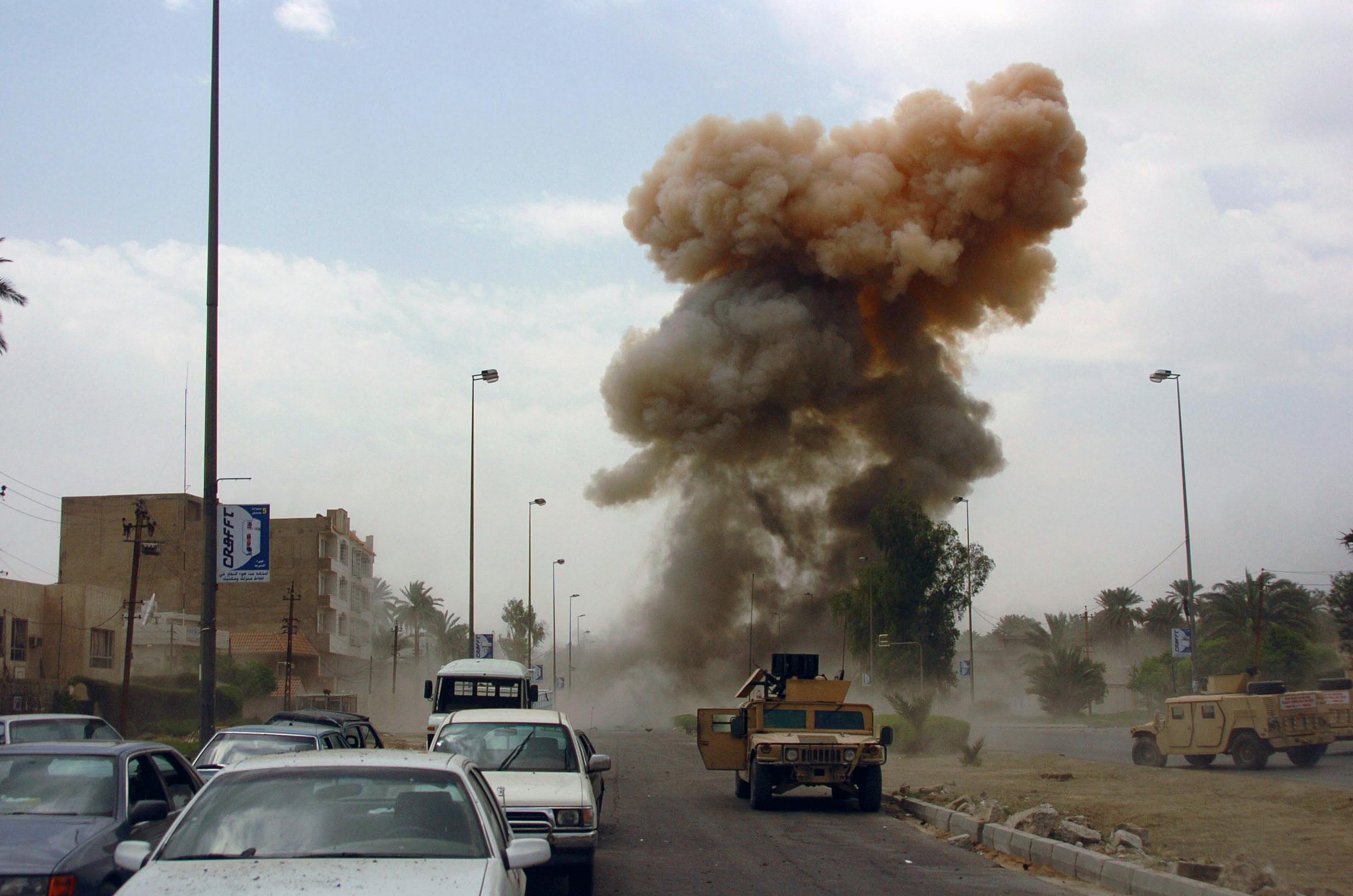 Cinco muertos y 22 heridos en doble atentado con coches bomba en Irak