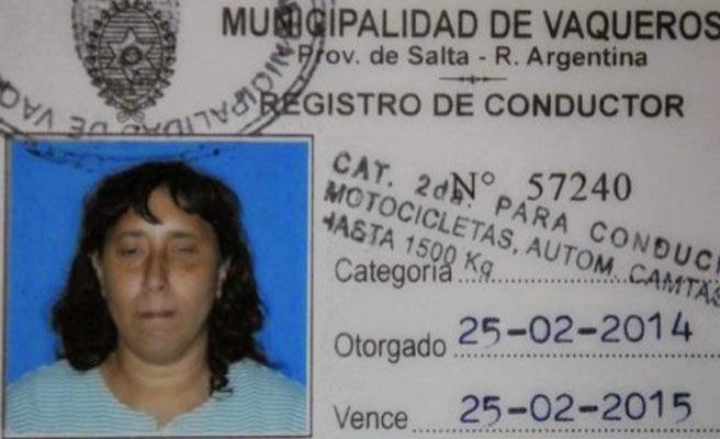Mujer ciega de 48 años obtiene carnet de conducir