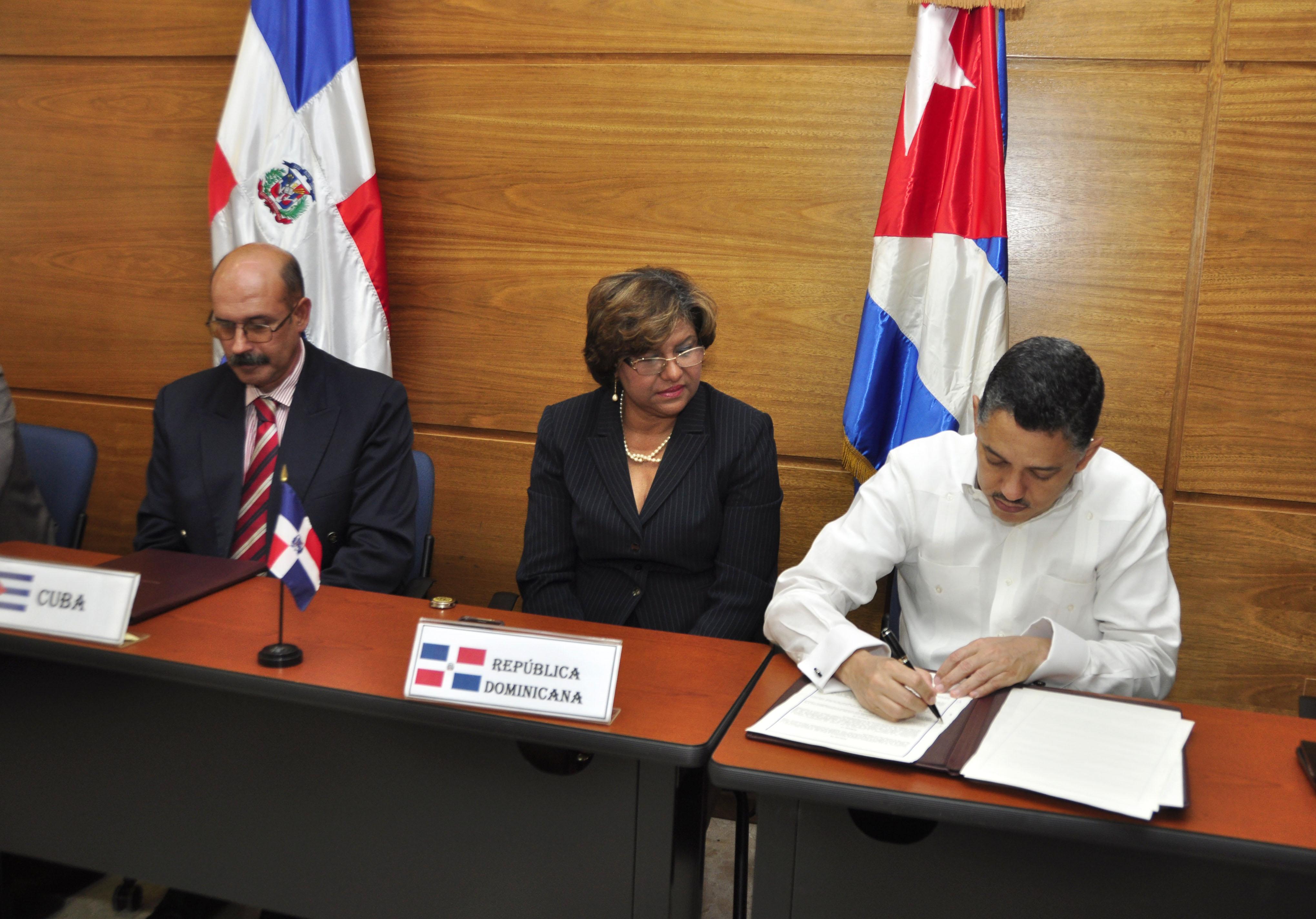 Taveras Blanco resalta lucha Cuba-RD en combate a tráfico de personas