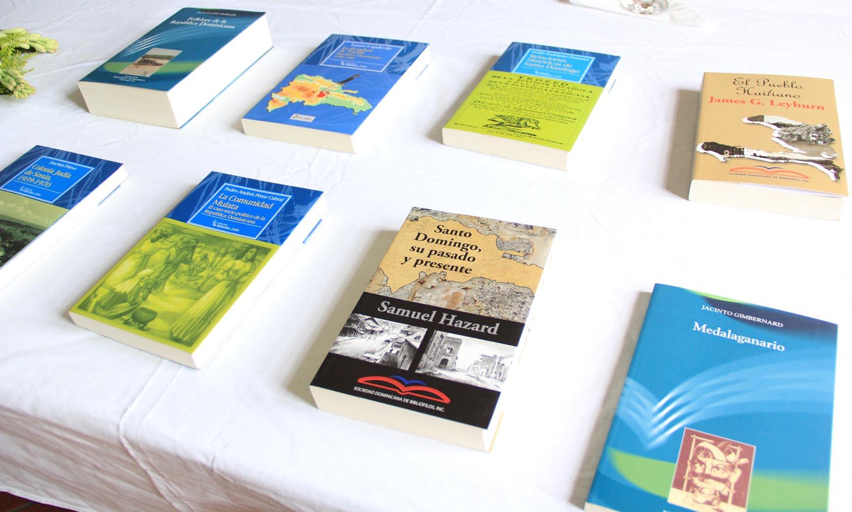Instalarán en Francia biblioteca con temas Dominicanos