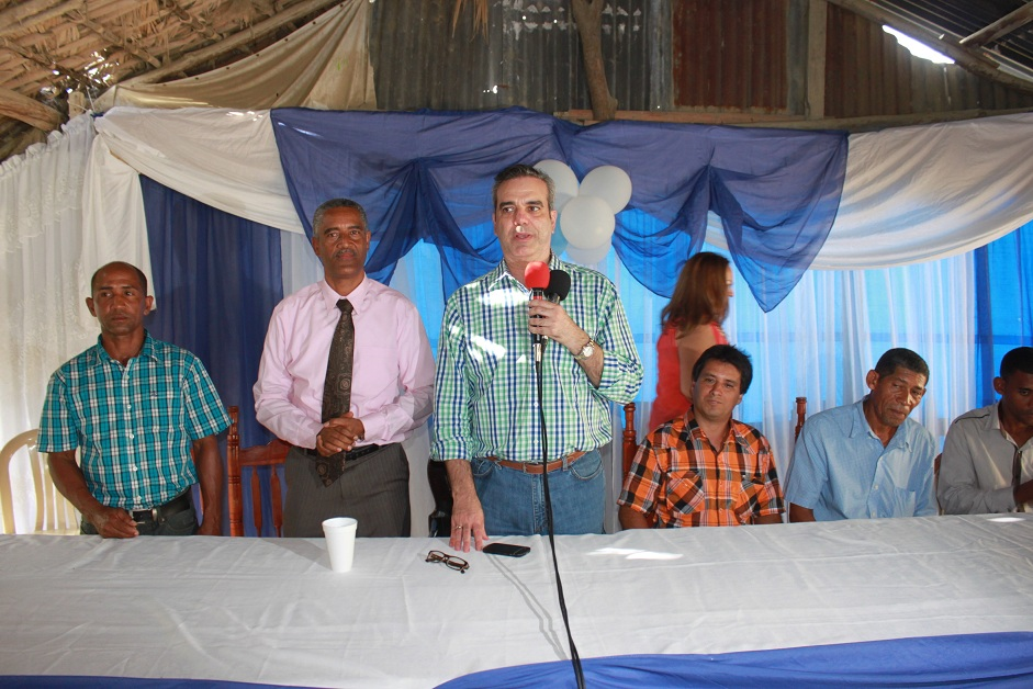 Abinader rebate informe del Gobierno sobre pobreza;dice desempleo sigue creciendo