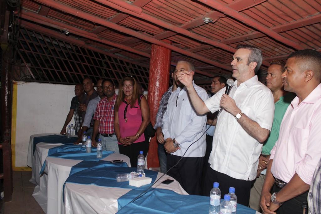 Consultor jurídico acudió a la JCE a respaldar posición de Miguel Vargas