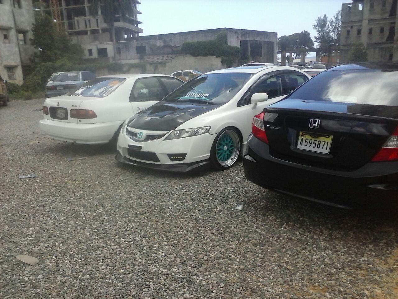 AMET retiene autos de competir en avenida Abraham Lincoln