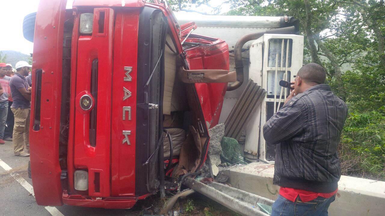 Un muerto y tres heridos en accidente ocurrido en Constanza