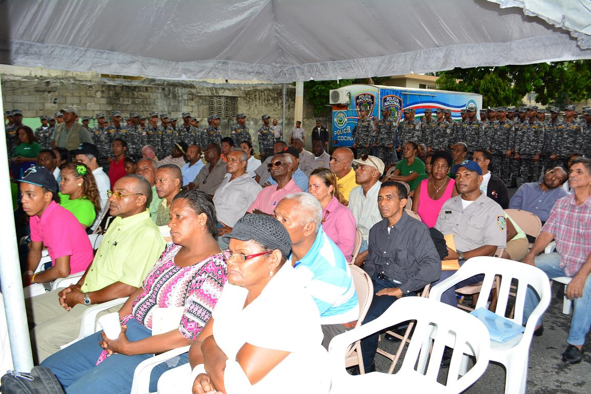 PN participa en jornada de búsqueda para registrar personas iletradas