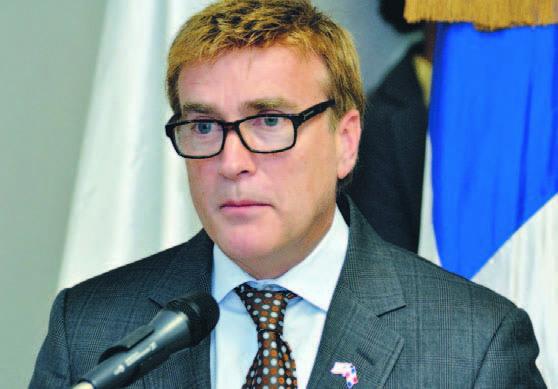 Departamento EE.UU defiende embajador Brewster