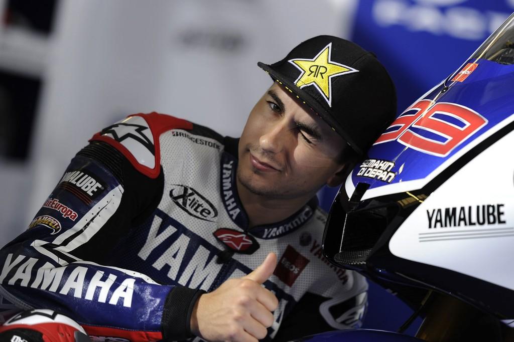 Lorenzo no sabe qué hubiese pasado si no levanta la moto en el adelantamiento
