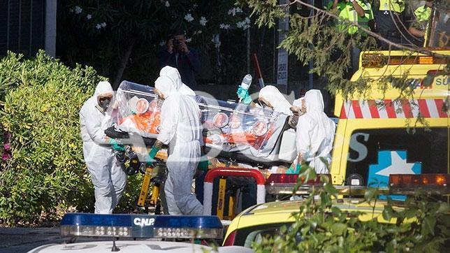 Sacerdote infestado con Ébola permanece estable