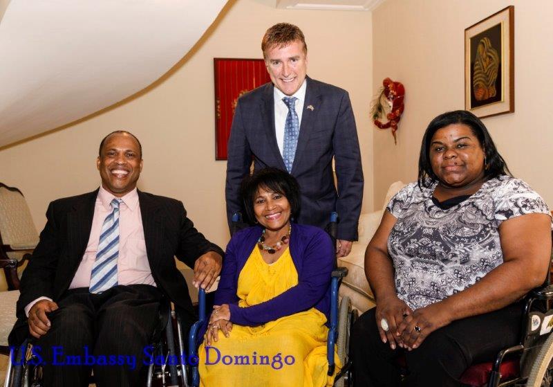 Embajada de EE.UU realiza almuerzo con instituciones dedicadas a discapacitados