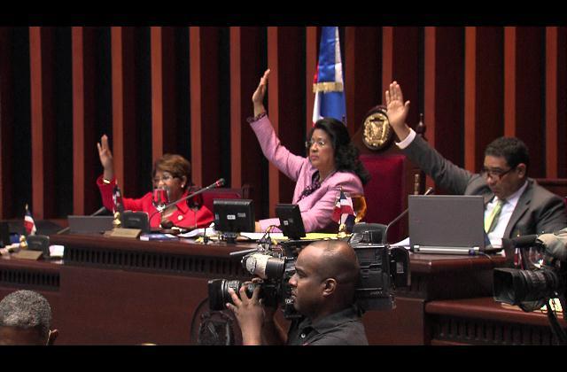 Senado aprueba proyecto de Ley que busca erradicar violencia contra la Mujer
