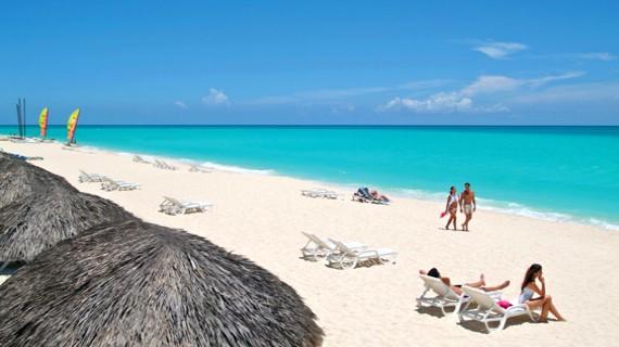 Turismo deja a Cuba US$ 1,077 MM de ingresos en primer semestre