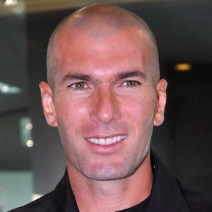 Zidane denunciado por entrenar sin la titulación requerida