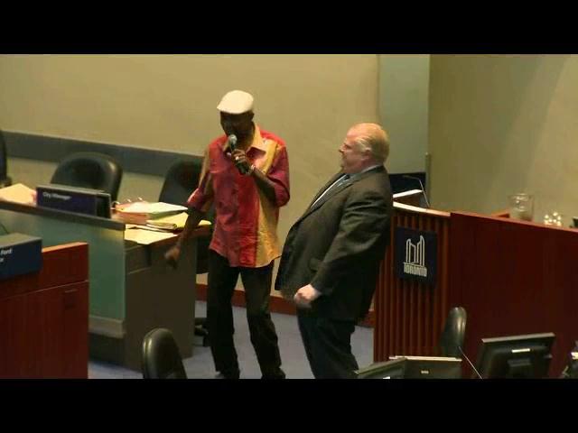 Hasta el alcalde bailó en la última reunión del Consejo