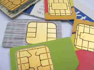 Decomisan 79 chips de celulares en cárcel La Victoria